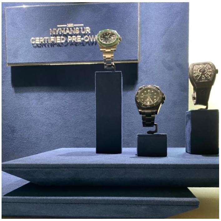 Jewelry display - 434a3bca-65cb-4e07-b192-53770bba20b7 (3)