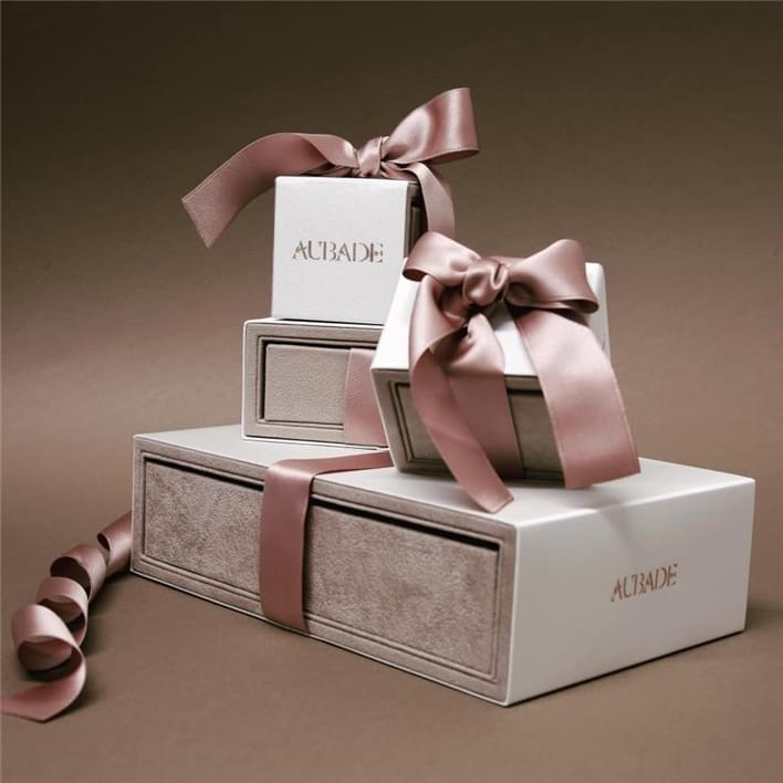 Jewelry boxes - 50014450 2249076915137647 2384522751332319232 n