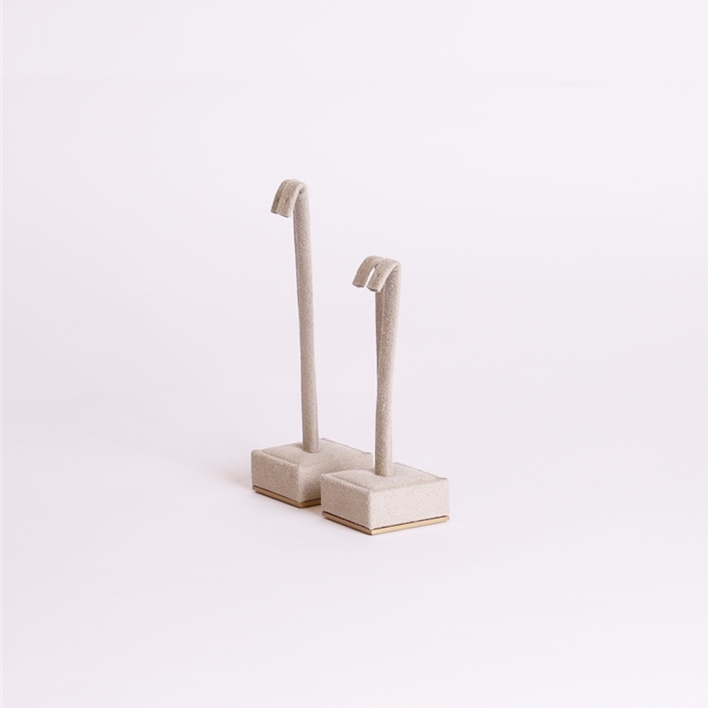 CHOOSE JEWELLERY ITEMS FOR YOUR DISPLAY - cubetto orec side