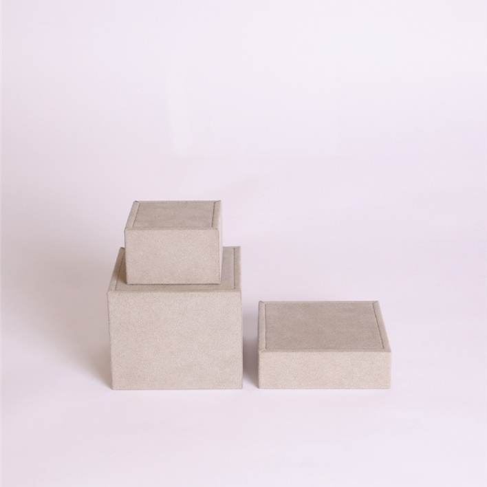 CHOOSE JEWELLERY ITEMS FOR YOUR DISPLAY - cubi piccoli set