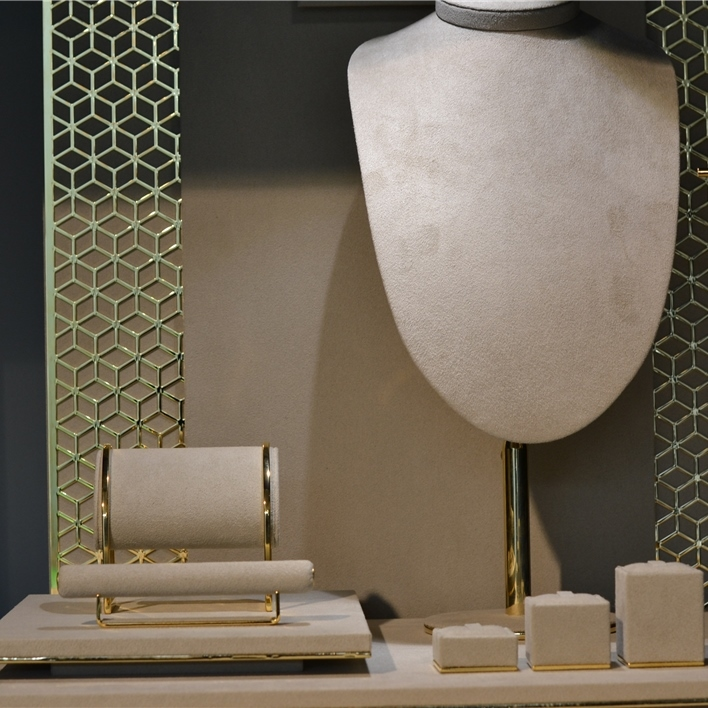 GET INSPIRATION FOR YOUR JEWELLERY DISPLAYS - DSC 0015