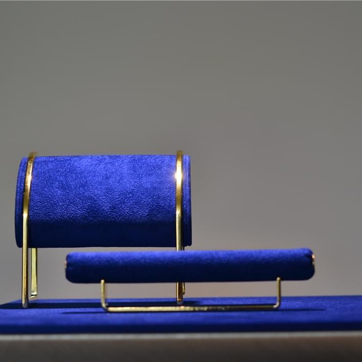 Jewelry display - DSC 0029