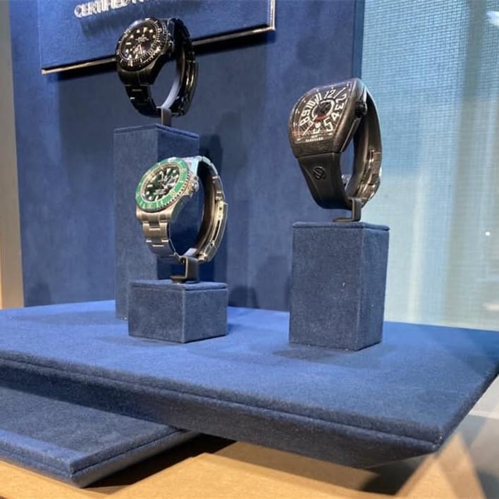 Jewelry display set - e207bfb2-635c-411a-9b81-68bc65eeccd2 (2)
