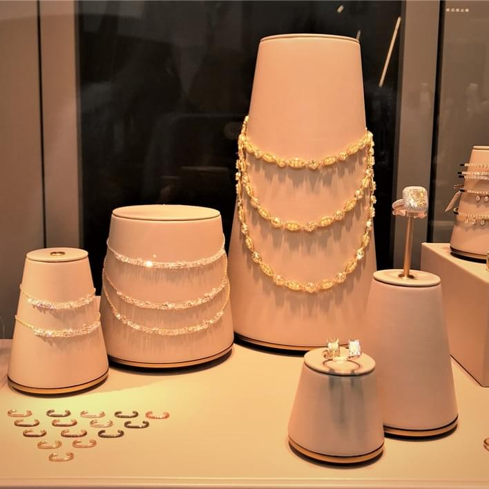 Jewelry display - IMG 0538