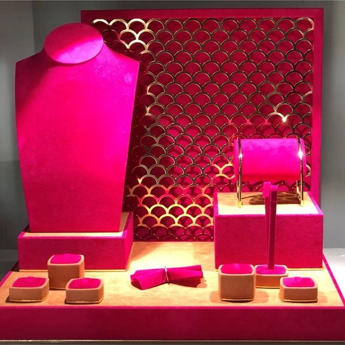 Displays set & Exhibitors - IMG 2079 (2)