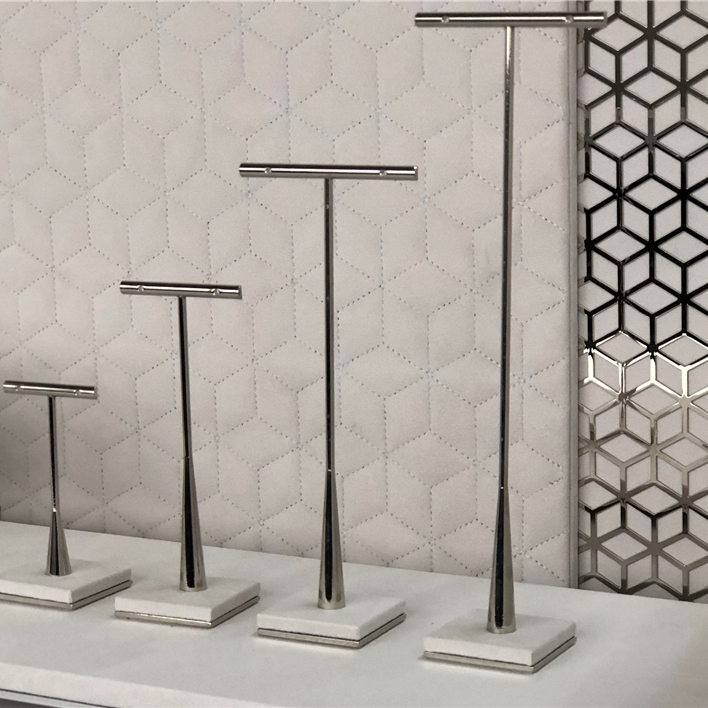 GET INSPIRATION FOR YOUR JEWELLERY DISPLAYS - IMG E9482