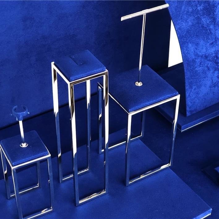 Jewelry display - IMG E9586