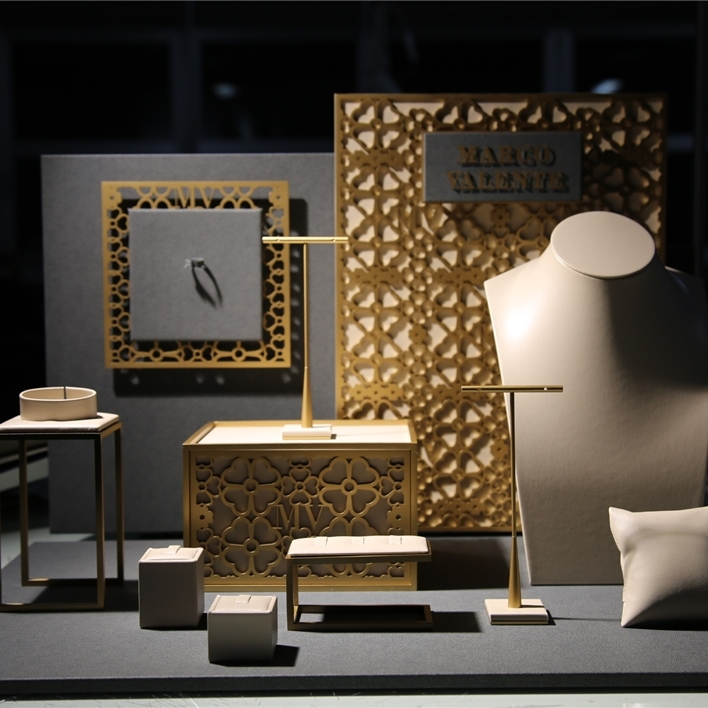 Displays set & Exhibitors - IMGT0113