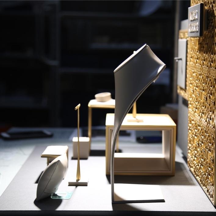 Displays set & Exhibitors - IMGT0141