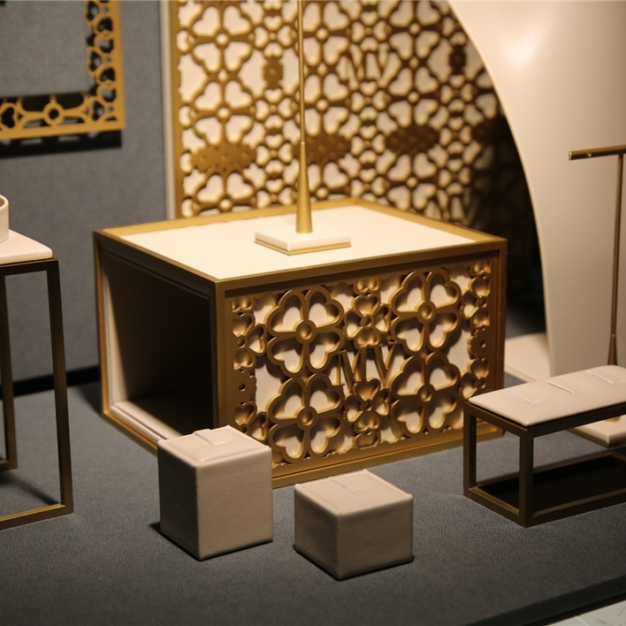 Displays set & Exhibitors - IMGT0156
