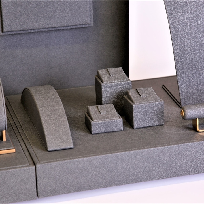 Displays set & Exhibitors -  MGT0030