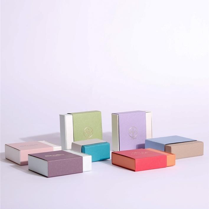 Jewelry boxes - rail