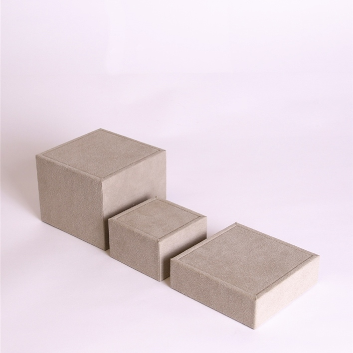 CHOOSE JEWELLERY ITEMS FOR YOUR DISPLAY - set cubi grande